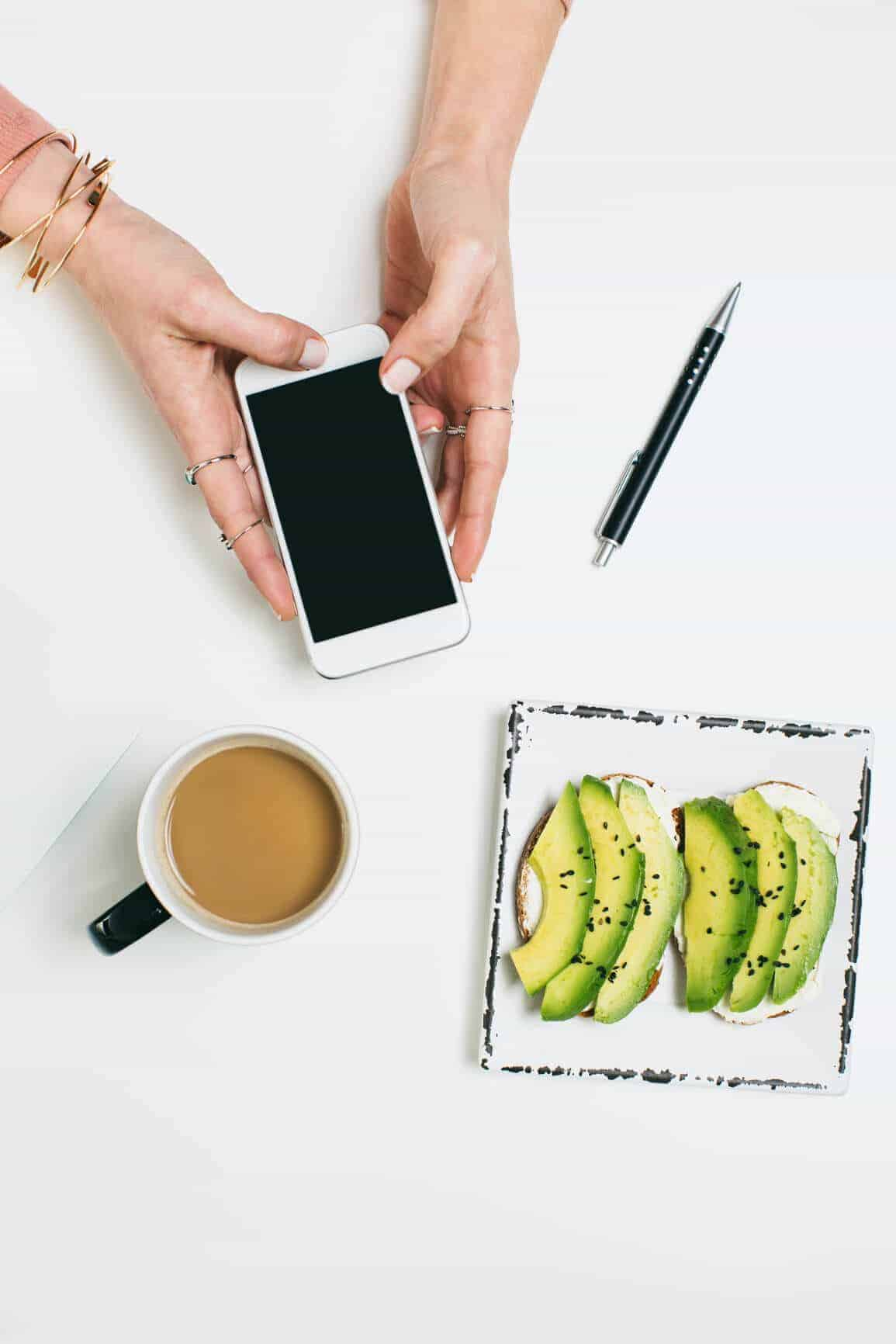 Use your iphone for your food blog photography--and use these apps to make it look flawless!
